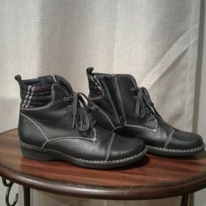 Ladies boots. Clark Collection. Soft cushion